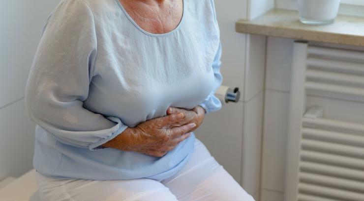 انواع یبوست در سالمندان و راههای پیشگیری و درمان